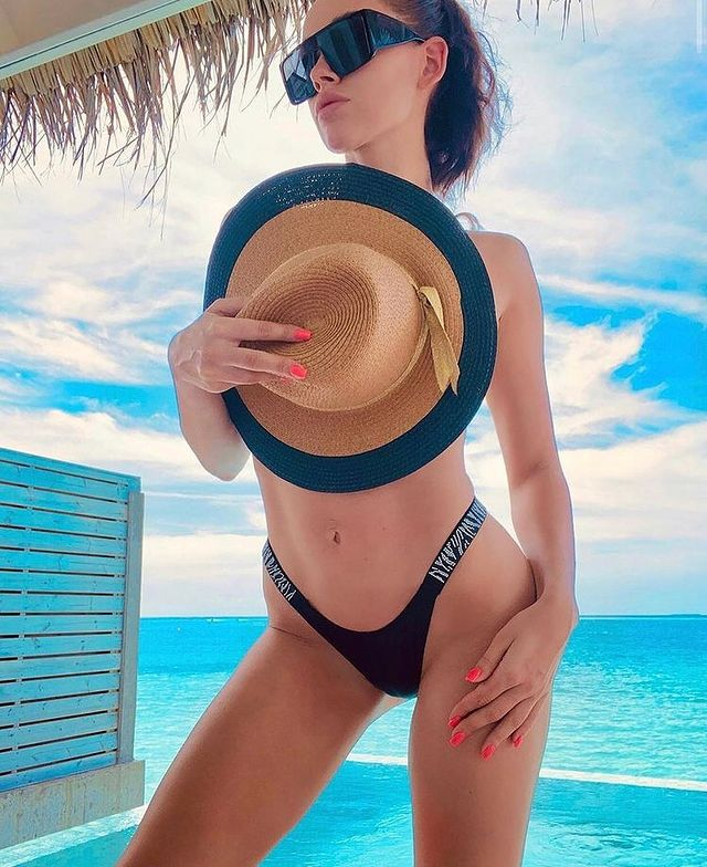 Luxury Girl Instagram Photos